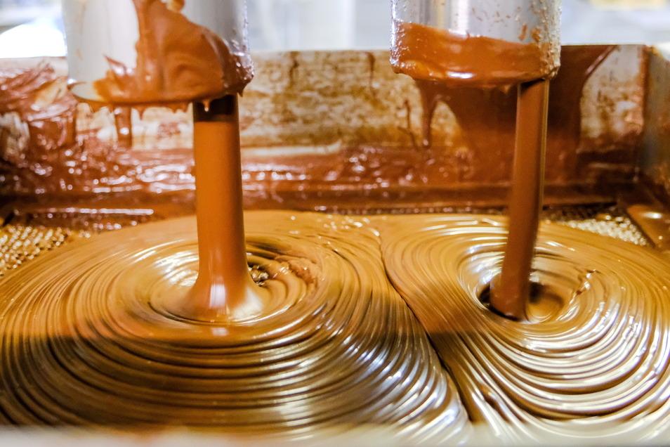 Hier entsteht die Nussnougatcreme mit dem hohen Anteil an Haselnüssen - bis zu 6,5 Millionen Gläser werden im Jahr abgefüllt. Die Firma macht insgesamt einen Umsatz von reichlich zwölf Millionen Euro und hat derzeit 35 Mitarbeiter.