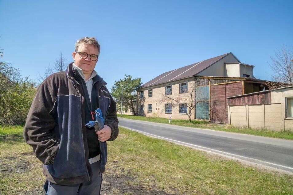 René Bath möchte aus der alten Möbelfabrik in Lodenau eine Pension mit Frühstücksrestaurant machen.