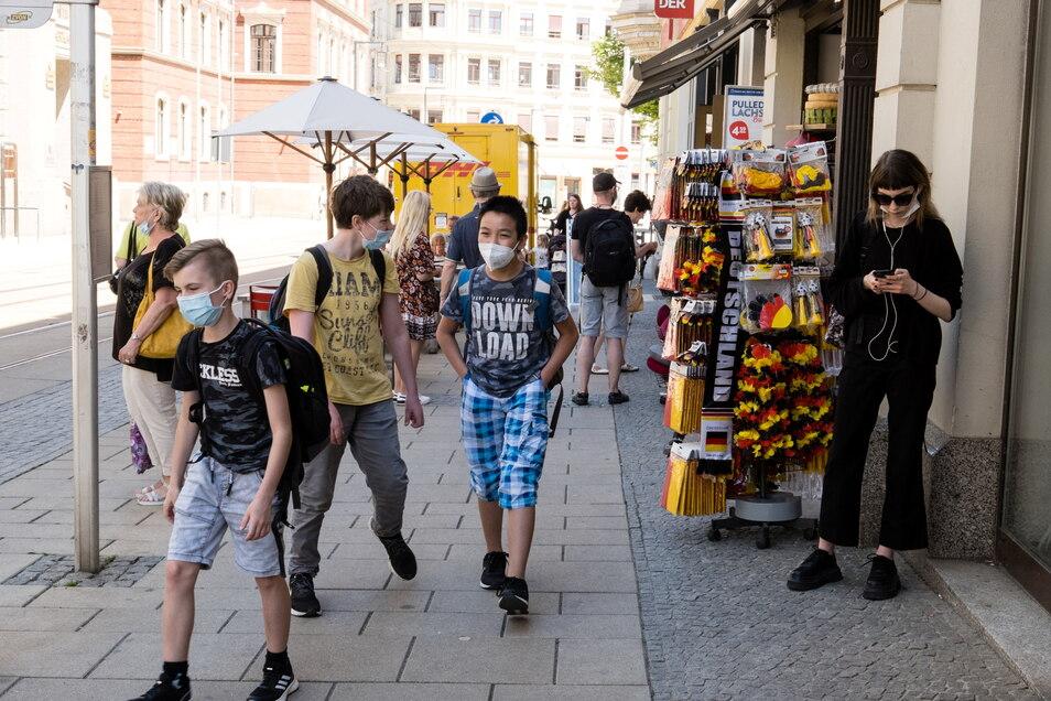 Auf der Berliner Straße in Görlitz ist meistens etwas los – trotz aller Einwohnerverluste der vergangenen Monate.