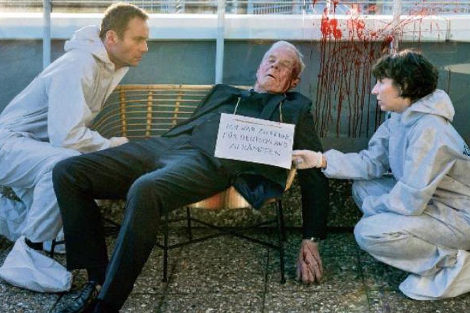 Nina Rubin (Meret Becker) und Robert Karow (Mark Waschke) finden Klaus Keller (Rolf Becker) an seinem 90. Geburtstag tot auf. Um seinen Hals hängt eine seltsame Nachricht, dass er zu feige gewesen sei, für sein Land zu kämpfen.