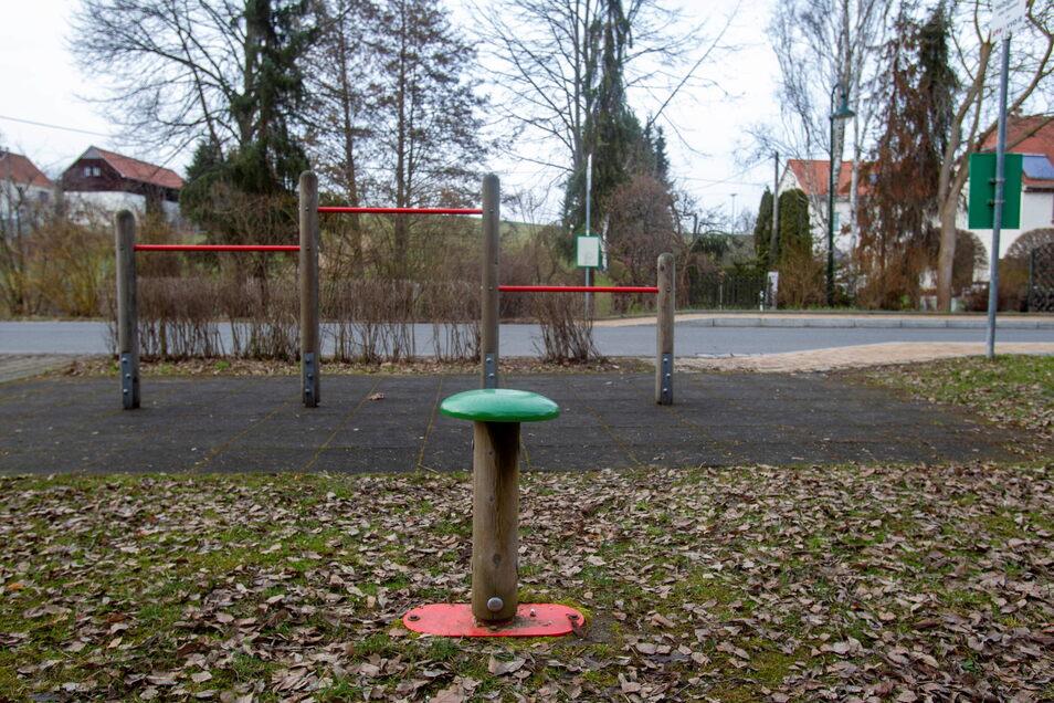 Der Spielplatz am alten Bahnhof in Helbigsdorf soll in den kommenden Monaten erneuert werden. Im Dorf sind noch weitere Arbeiten geplant.