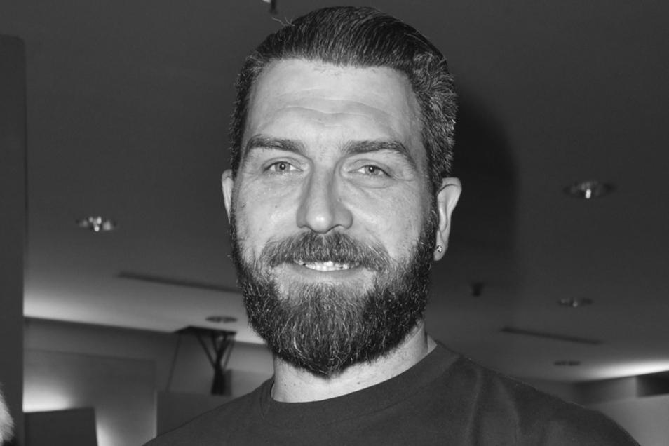 """Ingo Kantorek, Schauspieler der Reality-Soap """"Köln 50667"""" bei RTL II, und seine Frau sind bei einem Unfall auf einem Autobahnparkplatz in Baden-Württemberg ums Leben gekommen."""