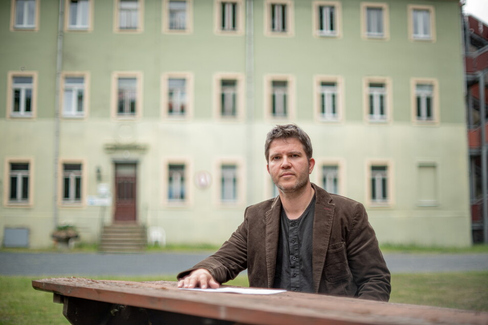 Frank Jank vom Verein Freie Alternativschule ist enttäuscht: Der Verein hat mit seinem Plan, im Schloss im Kamenzer Ortsteil Brauna eine Schule zu gründen, jetzt eine Niederlage vor Gericht erlitten.