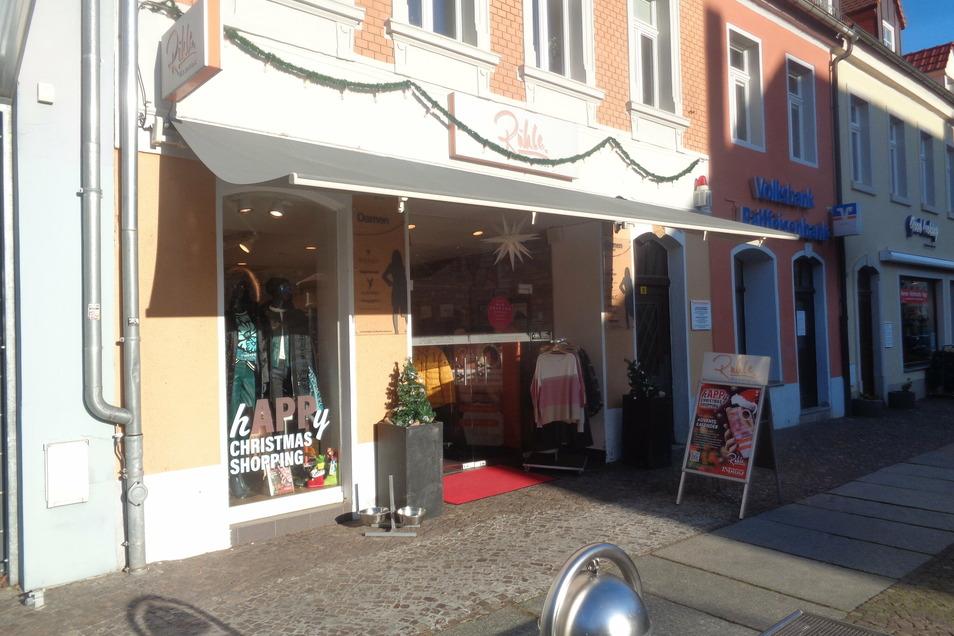 Eines von mehreren Geschäften: Der Inhaber von Modegeschäften in Großenhain, Riesa und Meißen, Ronny Rühle, wendet sich mit einem offenen Brief an Landrat Ralf Hänsel.