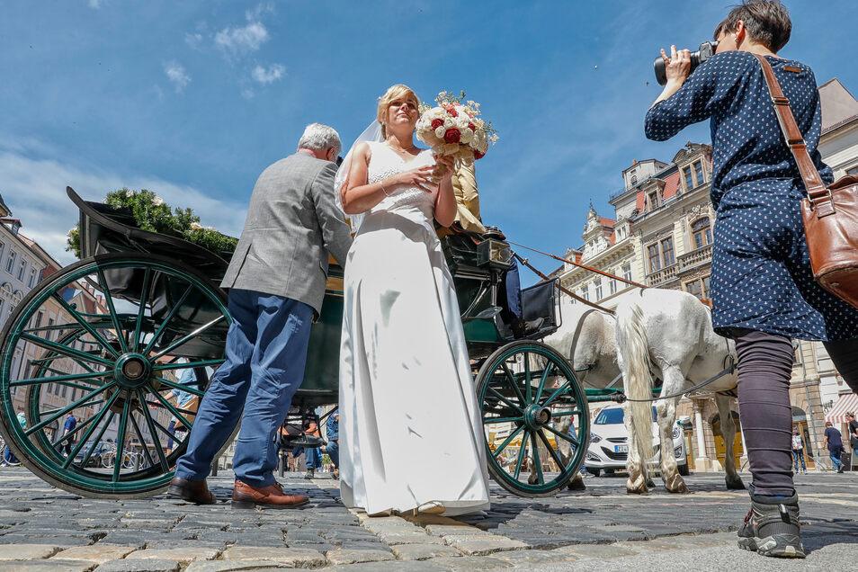 Großer Auftritt für Maria Meurich: Sie fuhr in einer Kutsche am Rathaus vor.