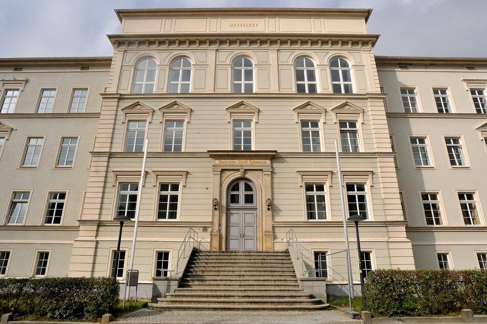 Das Geschwister-Scholl-Gymnasium in Löbau ist ab diesen Donnerstag nur noch für die zwölften Klassen geöffnet - alle anderen müssen zu Hause bleiben.