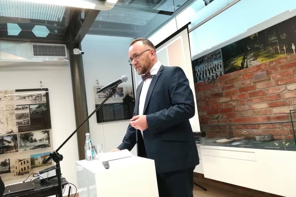 Als Beauftragter für Vertriebene und Spätaussiedler begleitet Jens Baumann viele Projekte über die Grenzen hinweg. Hier bei einer Ausstellungseröffnung.