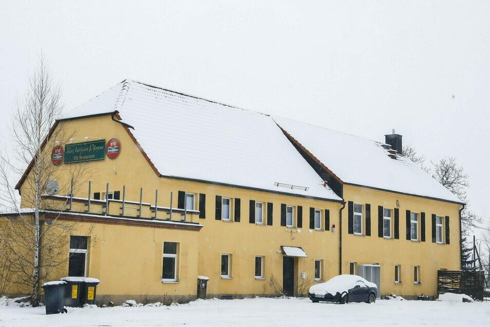 """Das ehemalige Restaurant """"Lustige Pfanne"""" in Rosenhain an der B6"""