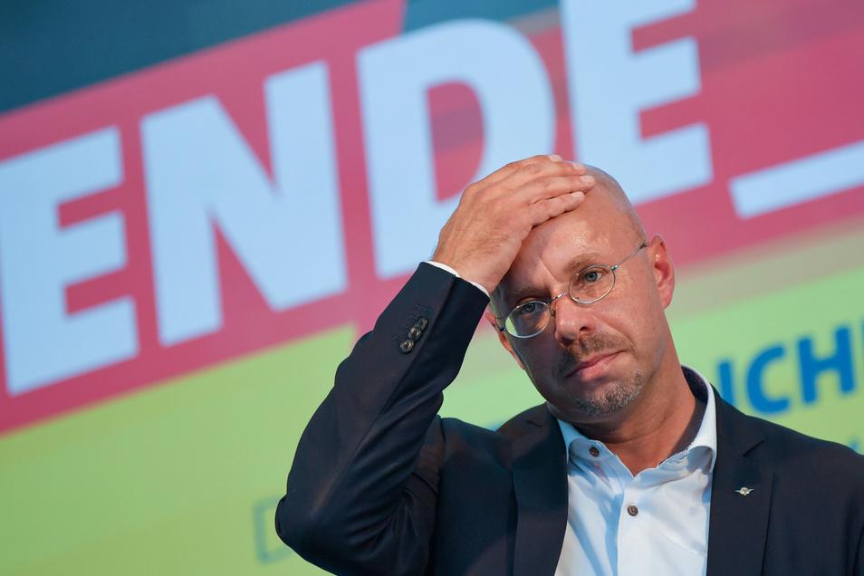 Hat Andreas Kalbitz nichts mehr zu verlieren? Die Polizei nahm den Hinweis ernst.