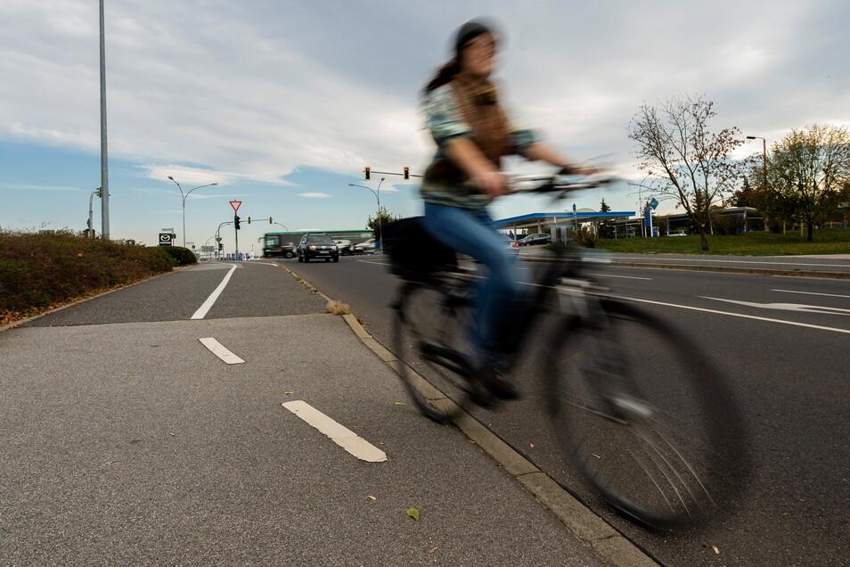 Wenn der Radweg einfach endet, trägt das nicht zum Sicherheitsgefühl für Radfahrer bei. Der Fahrradklimatest bescheinigt Bautzen einige Problempunkte.