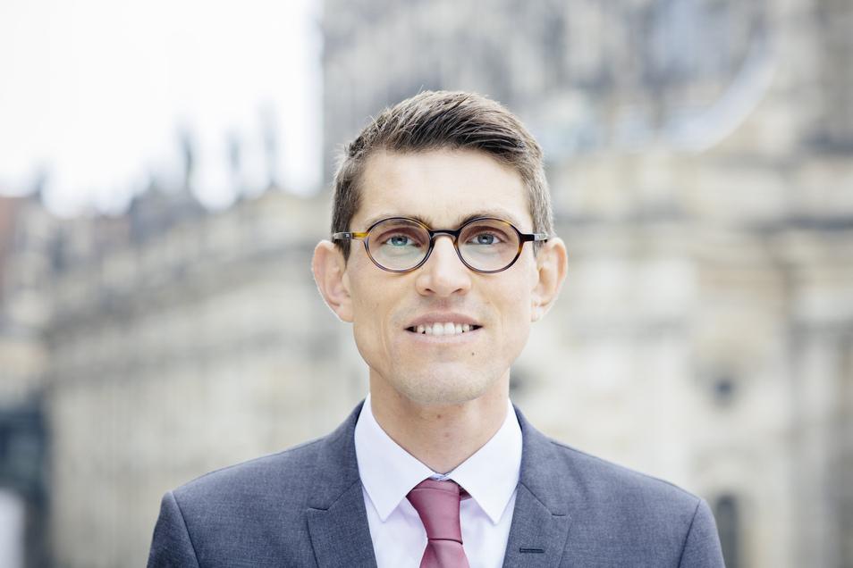 Thomas Arnold, in Zwickau geboren, ist Direktor der Katholischen Akademie des Bistums Dresden-Meißen. Bei seinem Amtsantritt 2016 war er mit 28 Jahren der jüngste Leiter einer Katholischen Akademie in Deutschland.