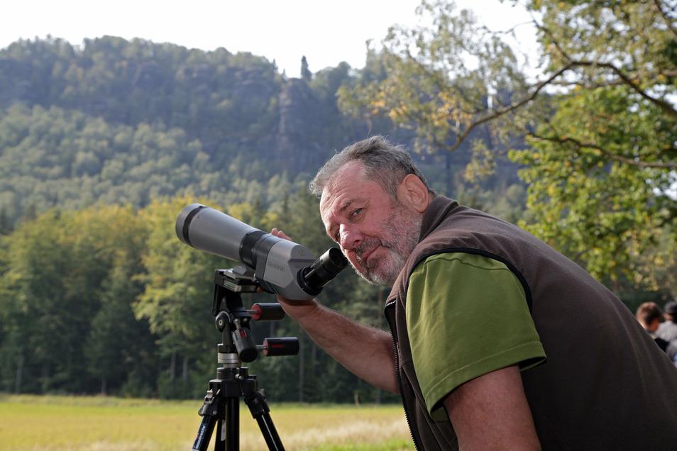 Vogelexperte Ulrich Augst. Die Auswilderung der Wandefalken war seinerzeit erfolgreich. Jetzt schrumpft aber die Population wieder.