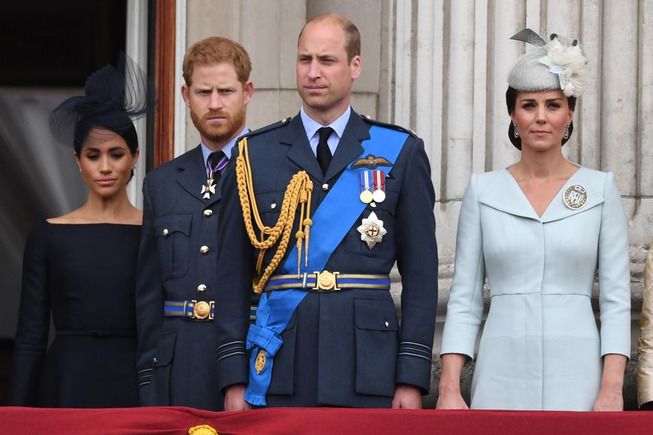 Stellungnahme der Prinzen - Harry und William empört über Zeitungsartikel