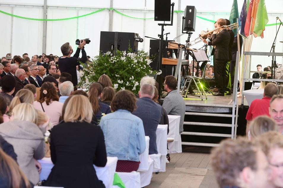 Die Feierstunde umrahmten Studentin Lea Heymann und das Bläser-Quartett der Big-Band Klangfarben
