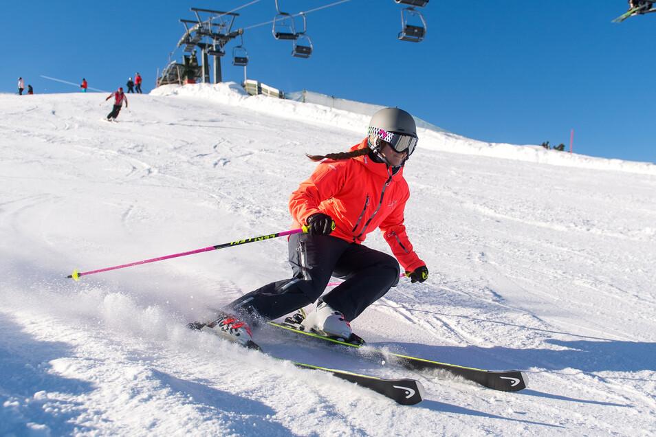 Ski und Rodel gehören ins Wintergepäck, wenn es ins Gebirge geht. Noch.