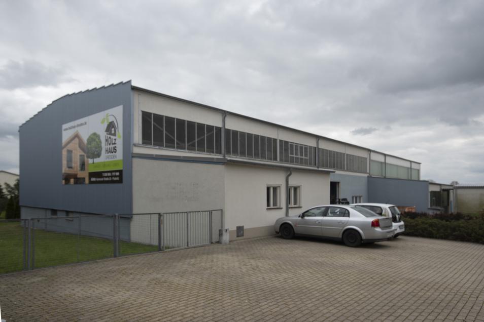 Die Firma von Lutz Müller hat sich darauf spezialisiert. Dafür braucht die Zimmerei mehr Platz und erweitert in Pulsnitz.