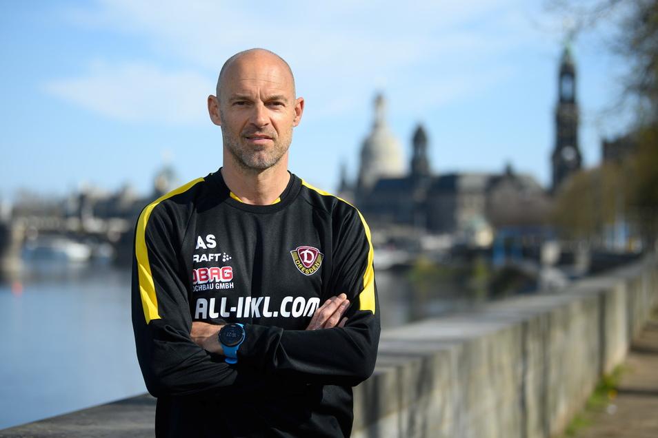 Alexander Schmidt bleibt bis 2023 in Dresden, Dynamo hat seinen Vertrag verlängert.