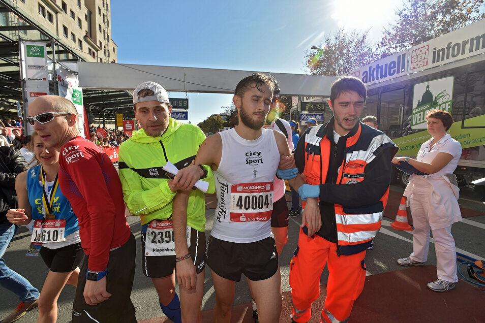 Wie ein Handy-Akku auf null fühlt sich Paul Schmidt-Hellinger kurz vorm Ziel beim Dresden-Marathon 2014. Fünf Jahr zuvor gewann er den Herbst-Klassiker.