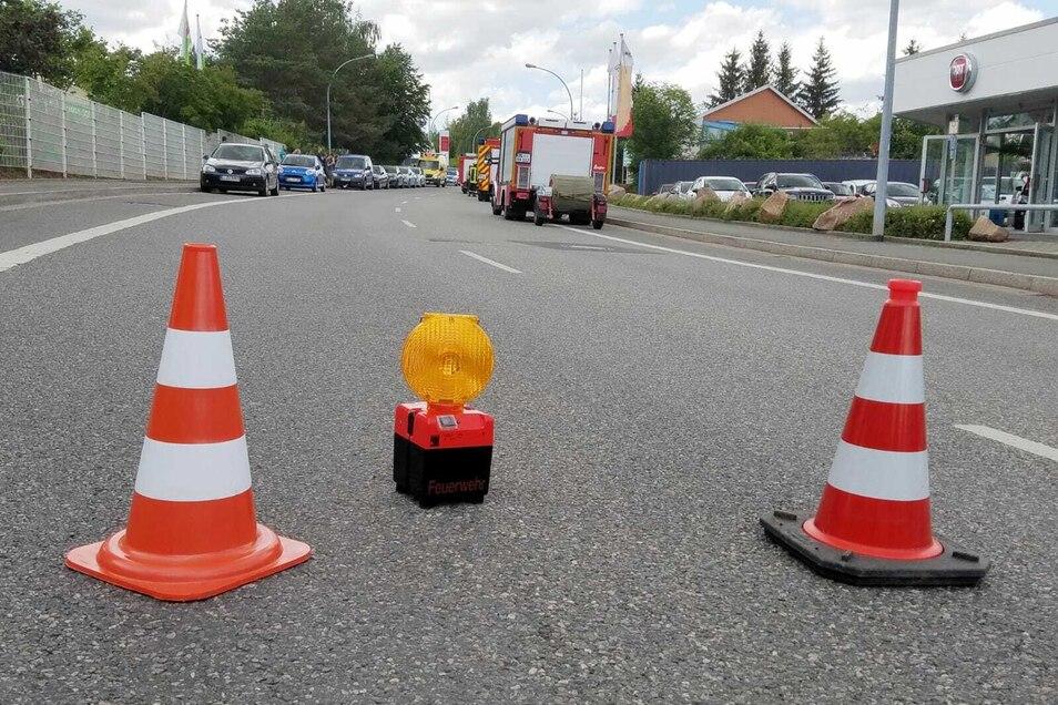 Die Landsberger Straße war wegen des Feuerwehreinsatzes für etwa eine Stunde gesperrt.