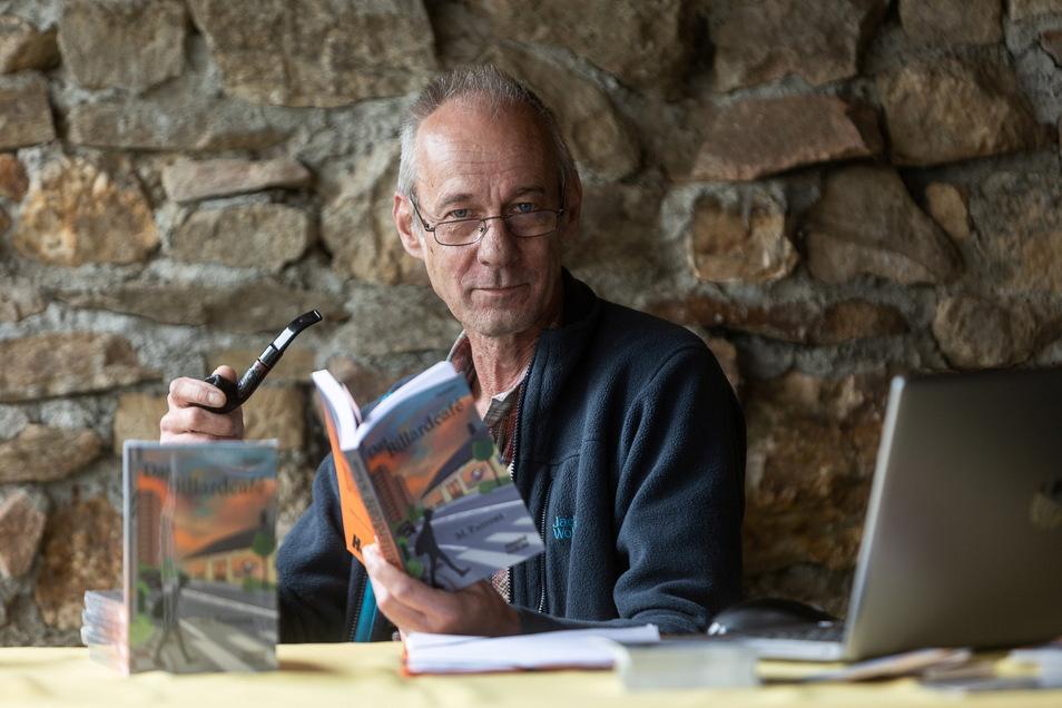 Matthias Schlicke lebt seit 21 Jahren im Klingenberger Ortsteil Friedersdorf und hat unter einem Pseudonym jetzt seinen zweiten Roman veröffentlicht.