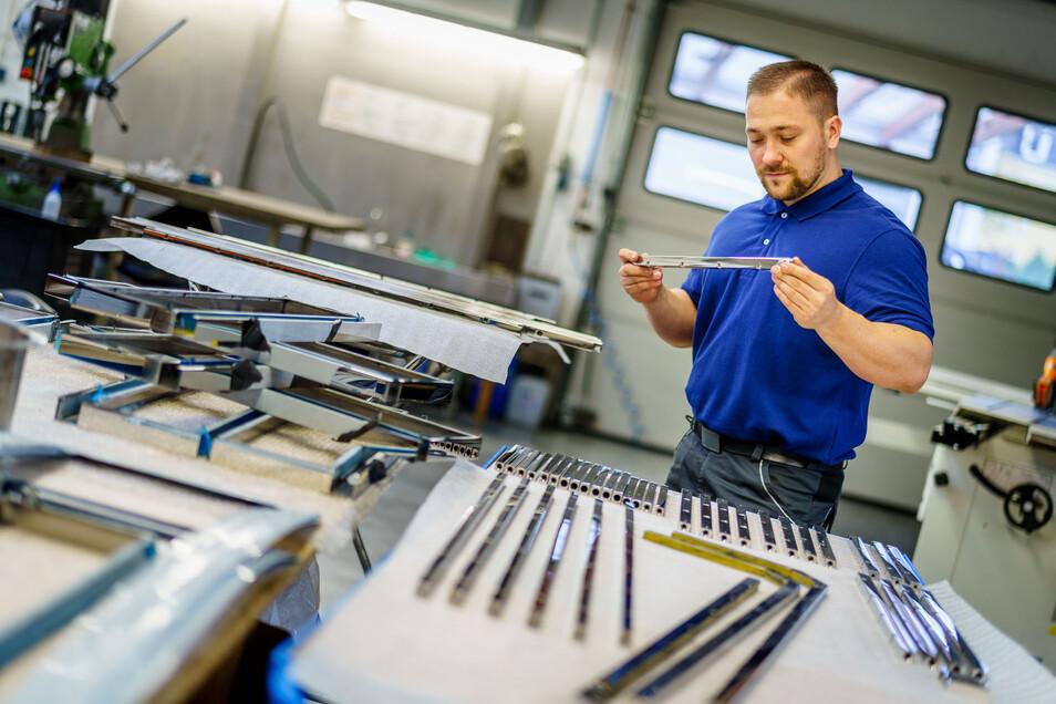 Er hat das Meisterstudium geschafft und gehört zu den Meisterabsolventen 2020/21: Metallbauermeister Paul Wesemann aus Dresden.