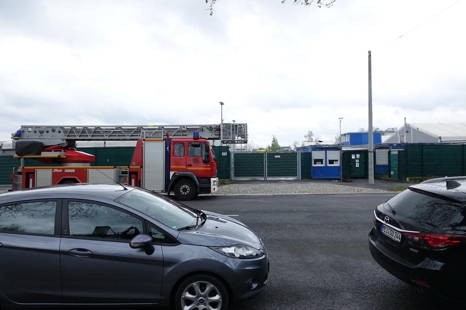 Am Freitagvormittag musste die Feuerwehr erneut zur Asylunterkunft Bremer Straße fahren. Es brannte ersten Angaben zufolge eine Matratze in einer der Unterkünfte.