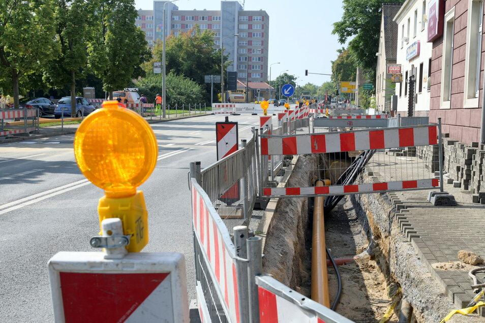 An der Berliner Straße wird zwischen der Einmündung Karl-Marx-Ring und der B-169-Auffahrt gebaut. Die Straße ist in dem Abschnitt voll gesperrt – und das bis Anfang Oktober.