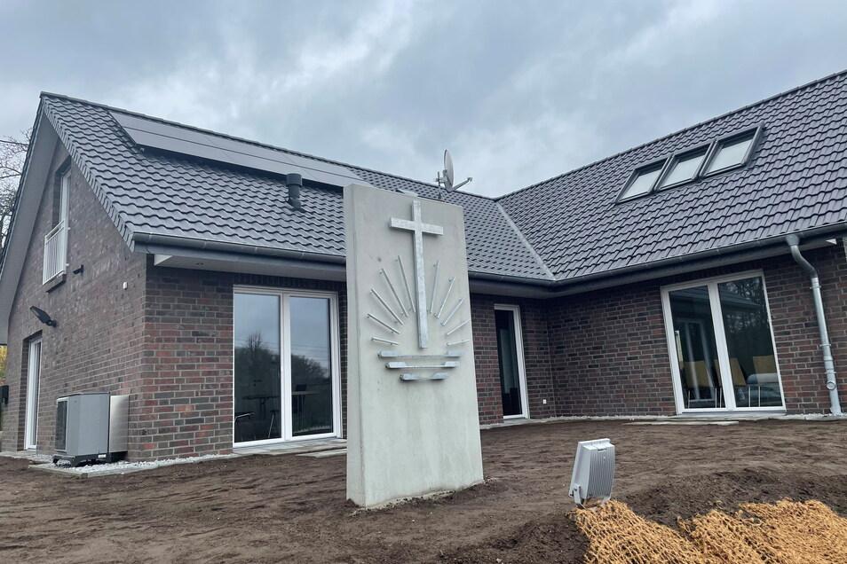 So sieht die neue Kirche von außen aus.