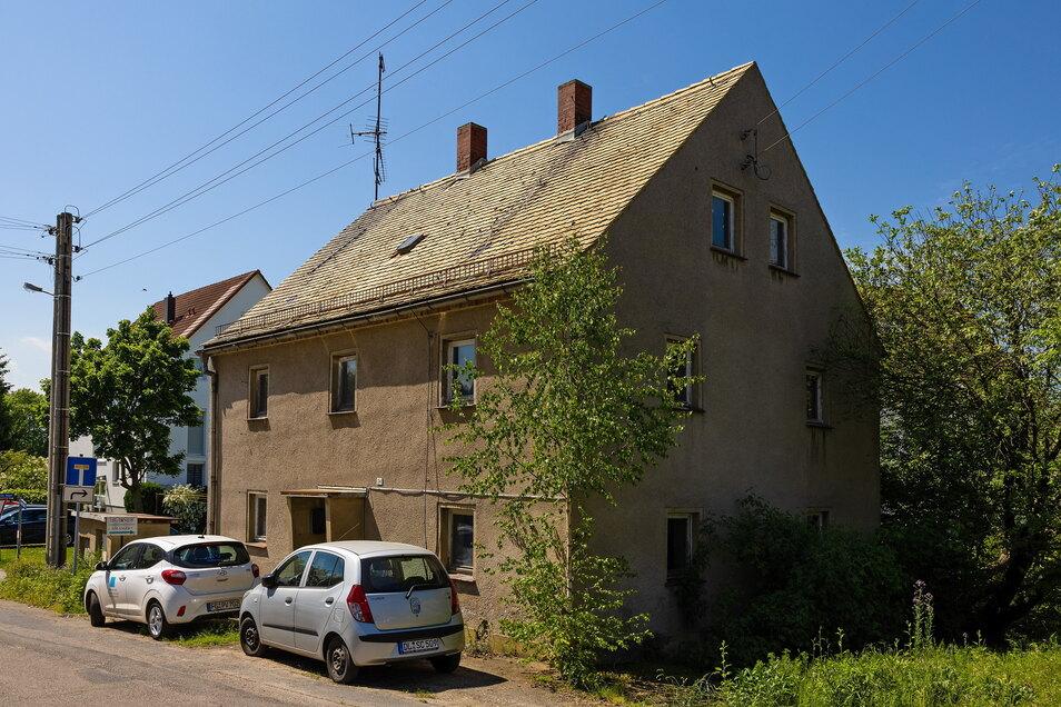 Dieses Gebäude in Großweitzschen im Landkreis Mittelsachsen stand auf einer Auktionsliste bei einer Internetaktion 500-Euro-Haus im Jahr 2015.