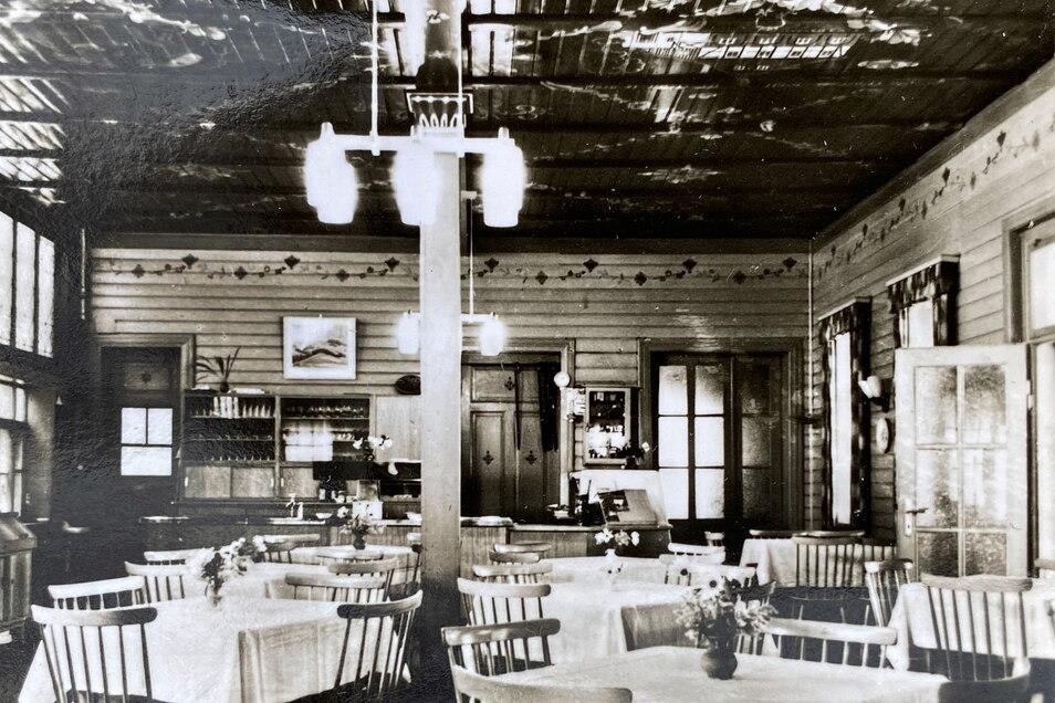 Ein Blick in die Gaststube, vermutlich Ende der 1950er Jahre.