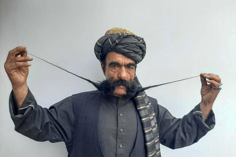 Khan träumt davon, eines Tages an einem internationalen Wettbewerb teilnehmen zu können.