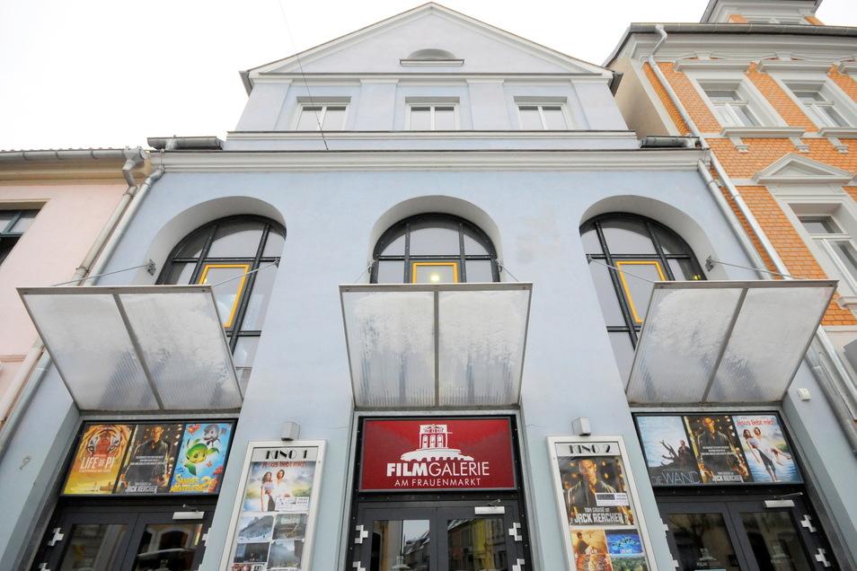 Die Filmgalerie am Frauenmarkt ist wieder geöffnet. Bei dem schönen Wetter ist Open-Air-Kino aber eher gefragt.