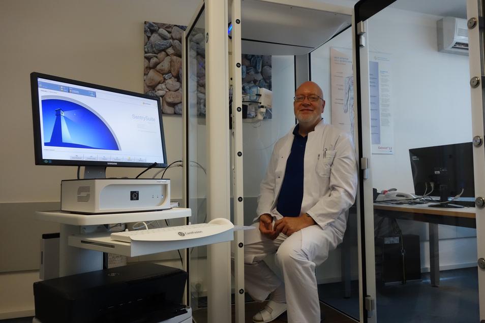 Dr. Andreas Plath ist Facharzt für Innere Medizin mit Schwerpunkt Pneumologie und Kardiologie.