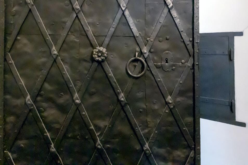 Die historischen Stahltüren aus dem Obergeschoss sollen im Erdgeschoss verbaut werden.