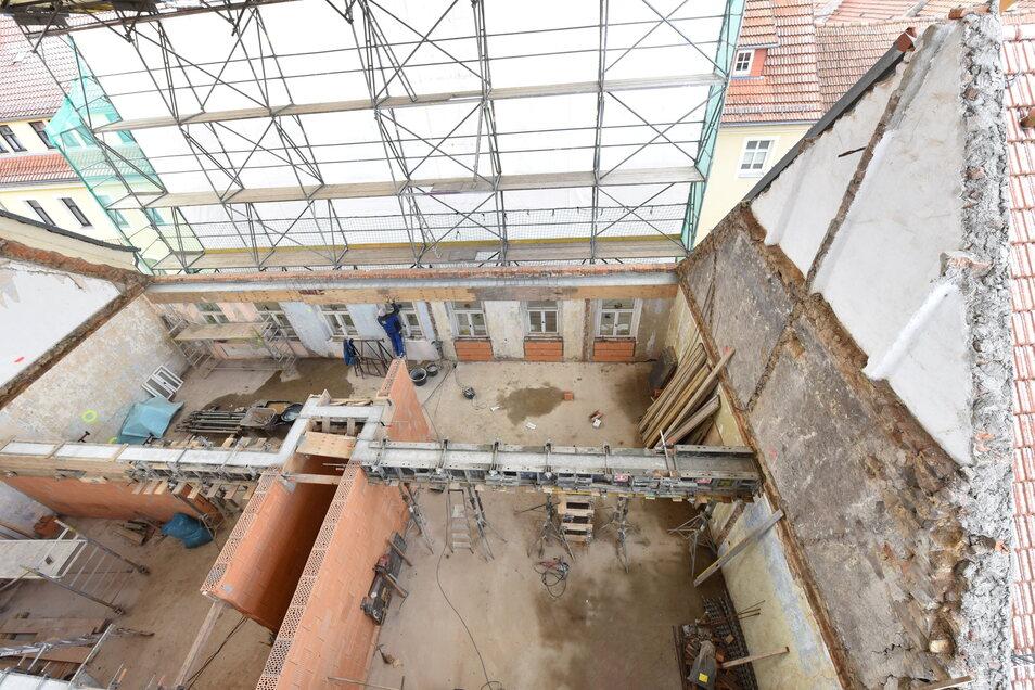 Ein Blick auf die Baustelle in der Dippser Wassergasse, für die jetzt die Baugenehmigung überarbeitet werden muss.
