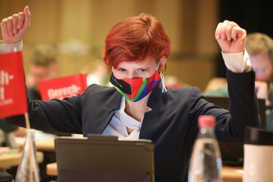 Katja Kipping auf dem Linken-Parteitag am Samstag in Plauen: Die scheidende Bundesvorsitzende war zum Zuhören gekommen.