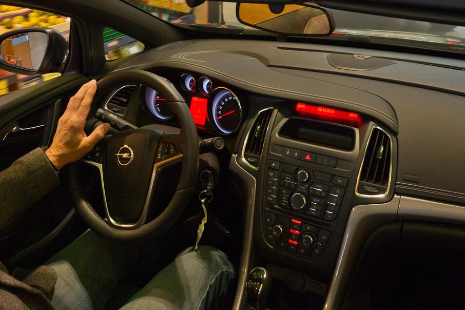 Auf dem Weg zur Fahrerlaubnis gelten jetzt neue Regelungen bei der Prüfung.