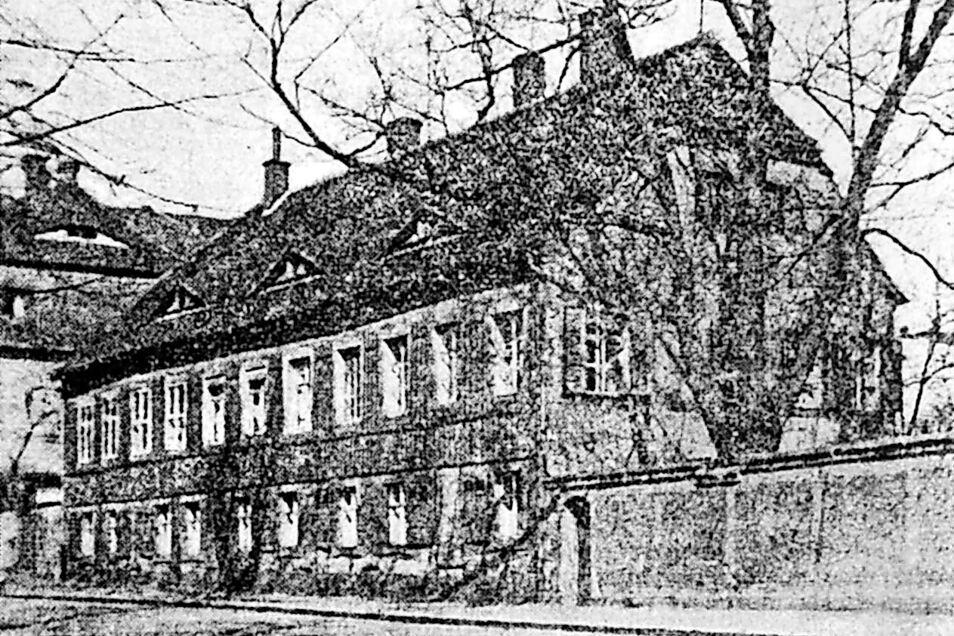 """Das """"Stephanische Haus"""" am Ring kurz vor seinem Abriss. Es musste Zittaus neuem Theater Platz machen. Das Foto von 1936 stammt von einem Fotografen der """"Zittauer Nachrichten""""."""