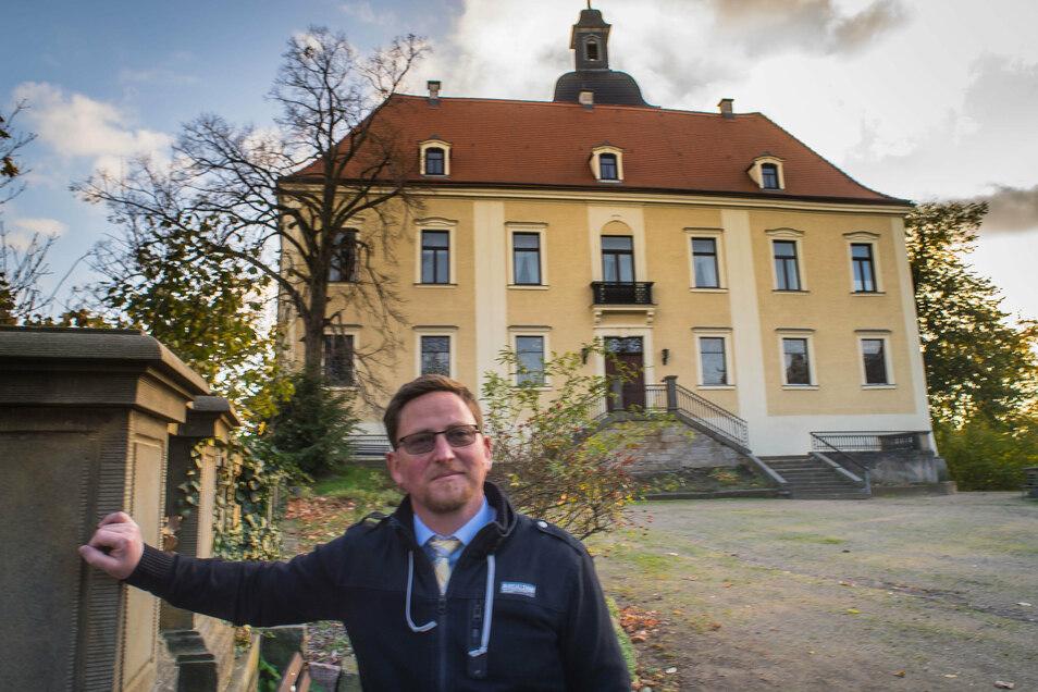Conrad Seifert ist Bürgermeister der Gemeinde Hirschstein - die ein eigenes Schloss besitzt.