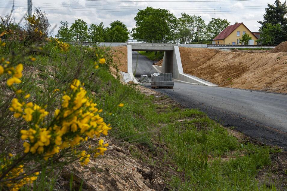 Die neue Brücke in Treugeböhla. Die Straße an der Eisenbahnbrücke bei Treugeböhla ist immer noch gesperrt. Bald nicht mehr?