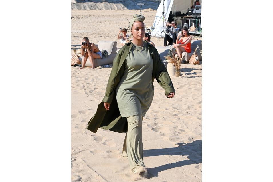 Die Kleidung ist für jeden Körpertyp (XS bis XXXL) gedacht.