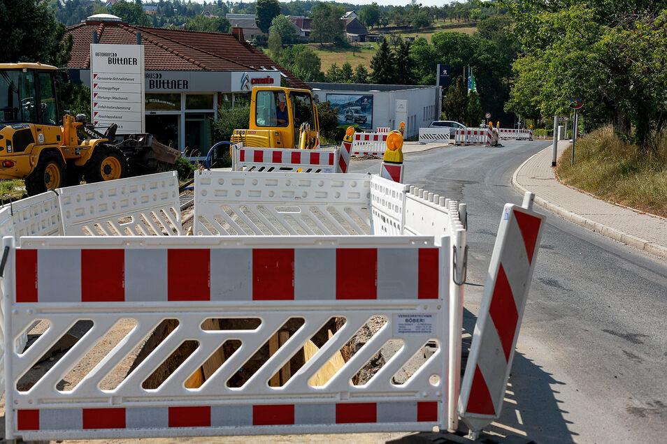 Die Steigerstraße in Freital-Kleinnaudorf wird bis Ende November gesperrt. Die Busse fahren nur bis zum Meßweg.