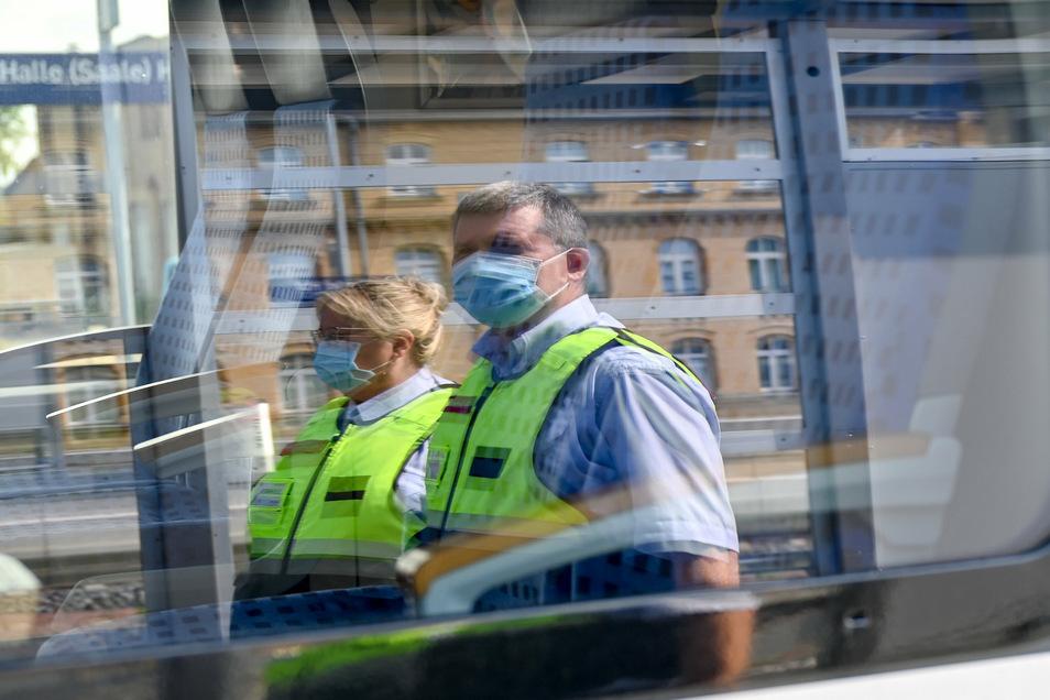 Ab dem 1. September sollen 60 Euro Strafe für Menschen fällig, die gegen die Maskenpflicht verstoßen.