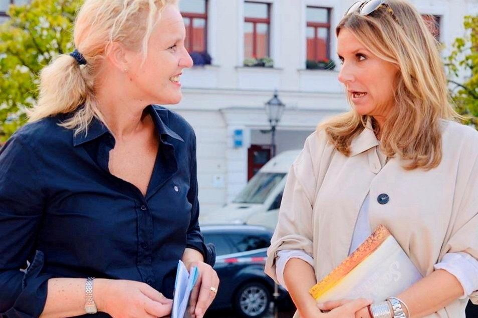 Anfang September 2014 war Tag der Sachsen in Großenhain. Moderatorin Kim Fisher (r.) wurde hier von Catharina Karlshaus interviewt. Fisher nahm die Zuschauer auf der Hauptbühne vorm Rathaus beim Abendprogramm mit in die 80er-Jahre.
