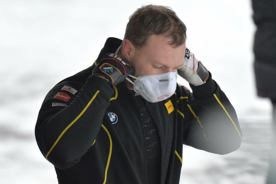 Helm ab, Maske auf. So funktioniert Bobfahren in Corona-Zeiten. Doch auch die Pandemie hat Rekordweltmeister Francesco Friedrich nicht ausbremsen können.