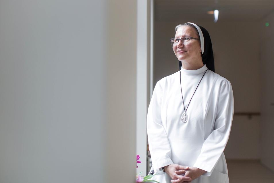 """""""Helfen, inneren Frieden zu finden"""": Schwester Aurelia arbeitet als Seelsorgerin im Marien-Hospiz."""