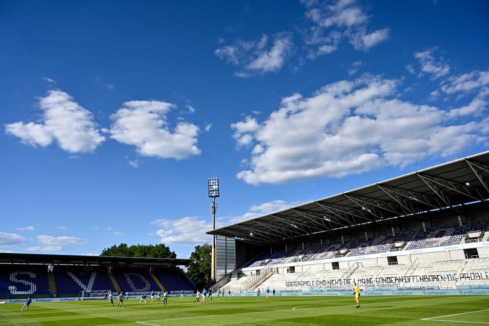 SV Darmstadt 98 | Merck-Stadion am Böllenfalltor | Kapazität: 17.400 | Auslastung: 4.786 | Auslastung in Prozent: 28.