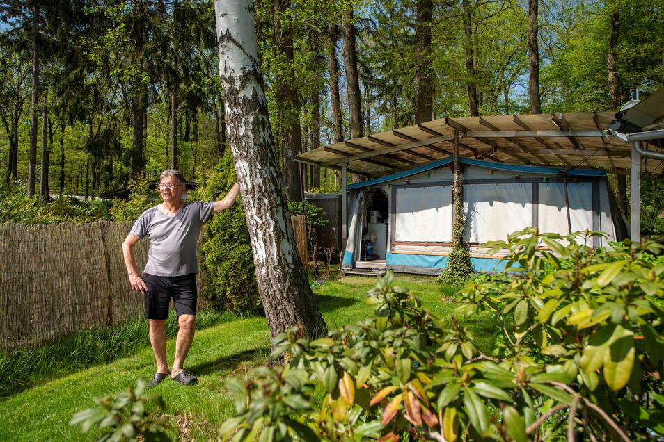 Auch wenn Horst Heymann und seine Frau mit ihrem Campingwagen noch regelmäßig unterwegs sind, ist ihr Dauerstellplatz am Oberen Waldteich seit über 40 Jahren ein fester Bestandteil ihres Lebens. Doch nun ist diese Idylle bedroht.