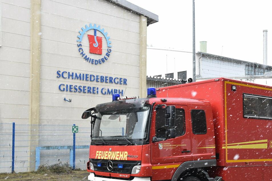 Die Feuerwehr ist am Montagabend und Dienstagfrüh zur Schmiedeberger Gießerei alarmiert worden. Zum Glück blieb es bei Kleinbränden, die kein Eingreifen erforderten.