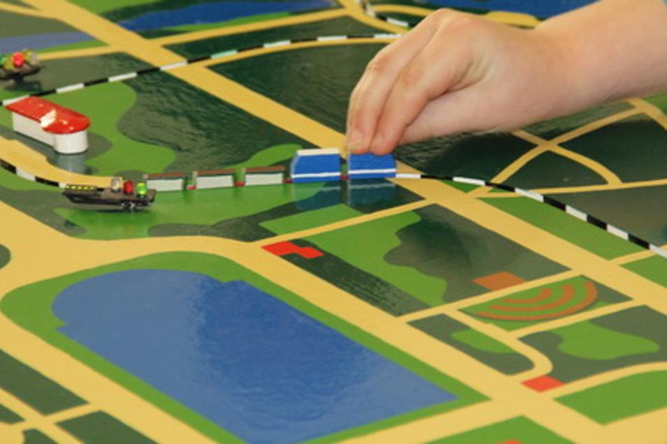 Auf einem Modell der Parkeisenbahn lässt sich wunderbar lernen.